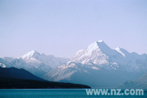 View of Mount Cook over Lake Pukaki